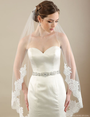 Bel Aire Bridal Veils V7300CX- 1-tier veil with Alençon lace - ADDITIONAL LACE ALONG THE SIDES