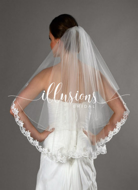"Illusions Bridal Veils C7-302-CB12L - 25""x30"" Corded with Lace (72"" wide, circular, 1 1/2"" lace)"