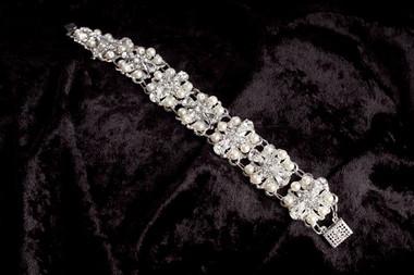 Erica Koesler Jewelry - Style J-9262