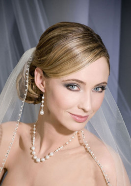 Bel Aire Bridal Veils V7090F- Pearls and Rhinestones Edge
