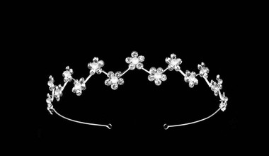 Noelle & Ava - Feministic Floral Tiara Of Stacked Shiny Rhinestone Flowers