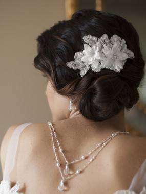 Sophisticated Mariell Bridals Handmade Bridal Comb with Beaded & Floral Lace Applique