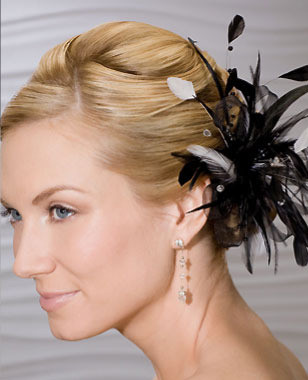 Bel Aire Bridal Headpiece 1968 - Feather Clip