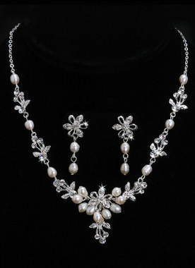 En Vogue Bridal Necklace and Earring Set - Style NL706