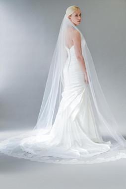 Erica Koesler Wedding Veil 834-108 - Lace Appliques w/ Cut Edge