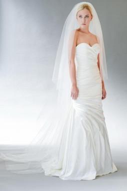 Erica Koesler Wedding Veil 839-100 - Cut Edge w/ Scattered Rhinestone