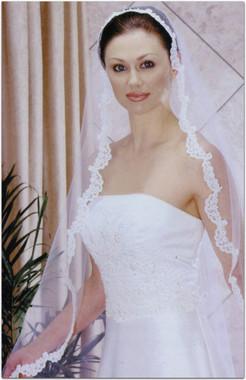 Bel Aire Bridal Veils V8227 - Floor Length - Mantilla w/ Alencon Lace