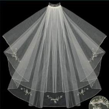 LC Bridal Style V2067-360 - Two Tier Fingertip Gold/Silver Serged Edge Beaded Veil