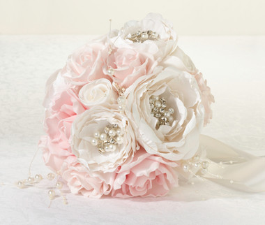 Chic & Shabby Bouquet  -  Lillian Rose