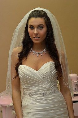 Ansonia Bridal Veil Style 636- One Tier Elbow with Beaded Edge