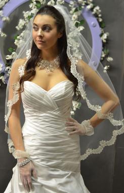 Elena Designs Wedding Veil Style E1161S -One Tier Fingertip Scalloped Lace Edge