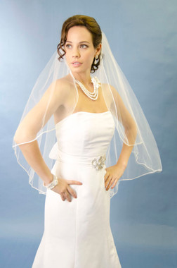 Ansonia Bridal Veil Style 484 - One tier, fingertip veil with vermicelli edge