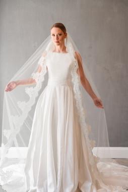 "Erica Koesler Wedding Veil 879-110 - Cathedral Lace - 110"" Long"