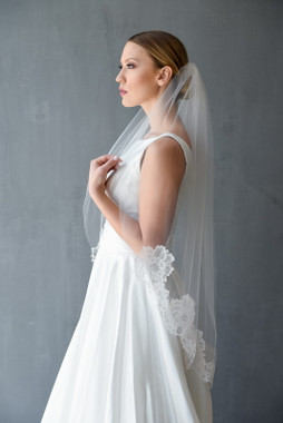 Erica Koesler Wedding Veil 851-40- Chantilly Lace Edge