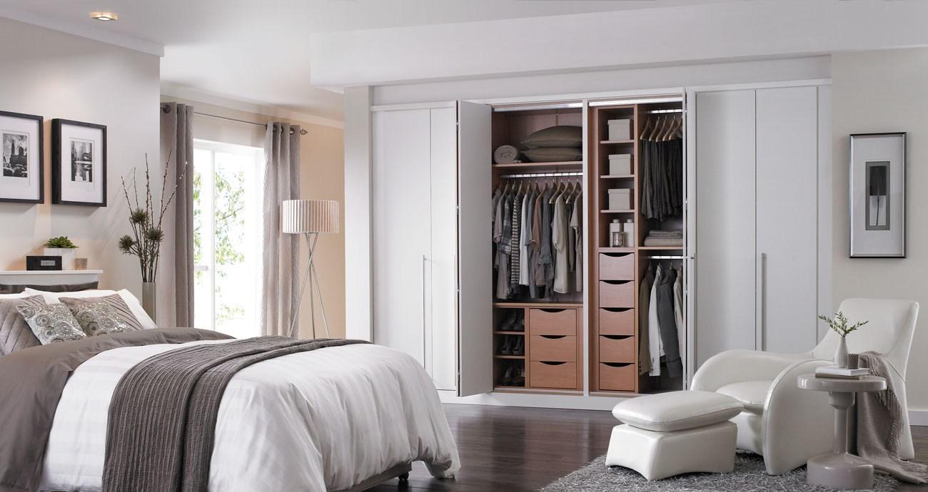 Benefits of bifold closet doors dreamweave bamboo bliss - Bifold closet doors for bedrooms ...