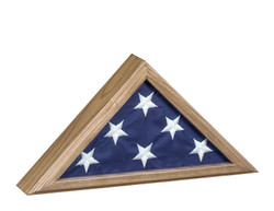 Capitol Flag Case: Vintage Oak.