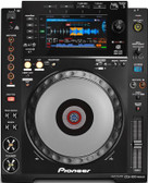 Pioneer CDJ-900NXS (front view)
