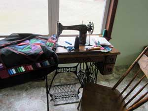 Amish Sewing