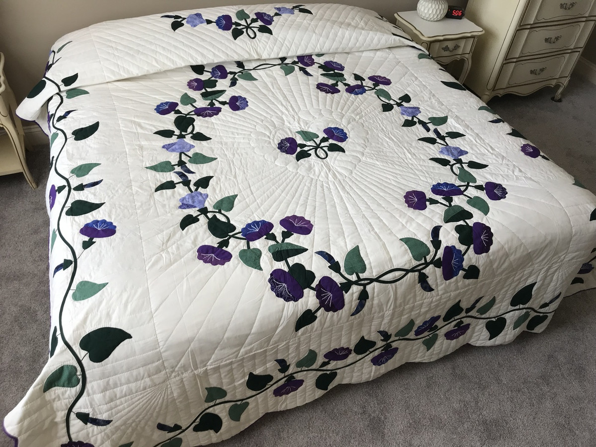 Morning glory applique amish quilt 94x109