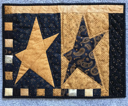 Country Primitive Star Hand Quilted Quilt Wall Hanging 21 x 17