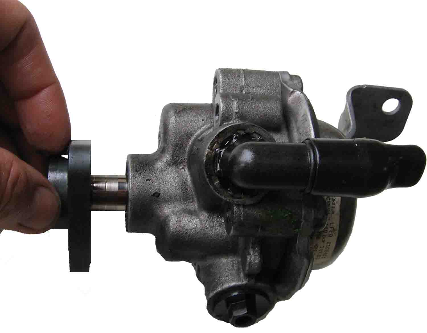 bmw-e46-power-steering-pump-shaft-end-float.jpg