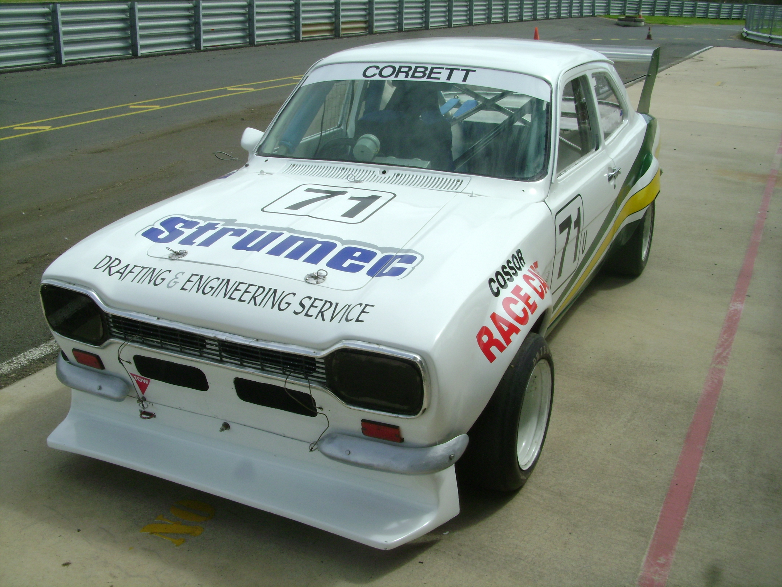 gary-goulding-ford-escort-sport-sedan-ultimate-power-steering.jpg
