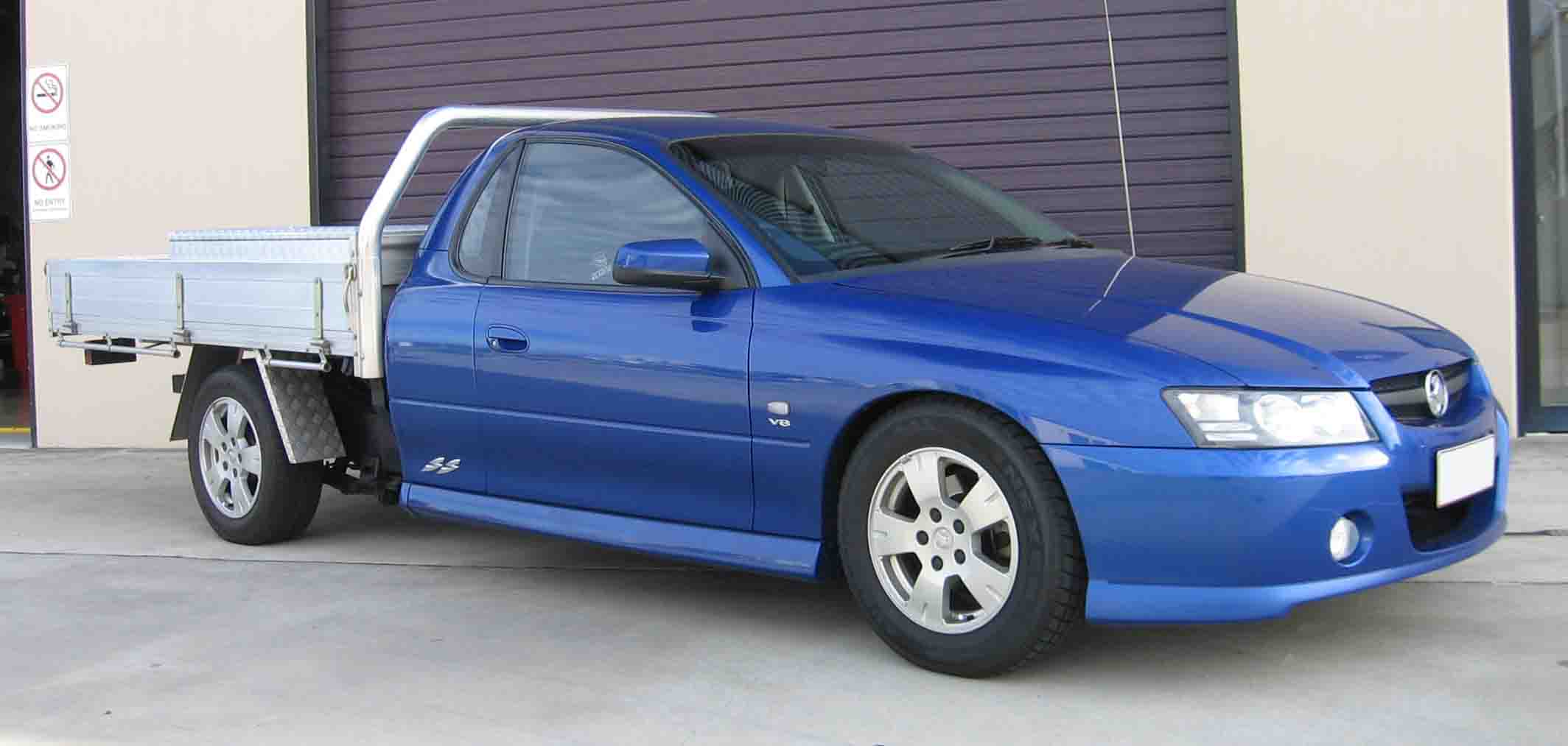 holden-commodore-vz-ute-ultimate-power-steering.jpg