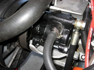 ultimate-power-steering-conversion-power-steering-pump-fitted-to-bracket.jpg