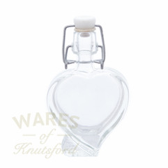 Heart Shaped Mini Swing Top Bottle - 40ml (Sold in packs of 6/12/24/36/120)   An absolute winner for wedding favours and valentines gifts!!!   Dress with a small label or tag.