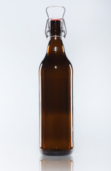 Amber Glass Growler Bottle with swing top