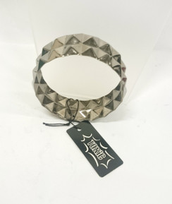 Pyramid stud bangle in gunmetal
