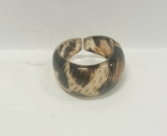 Acrylic Natural leopard print ring