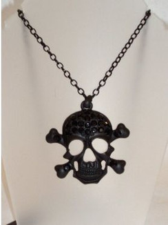 Large black diamontie skull necklace