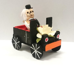Day of the dead Bride and Groom in car