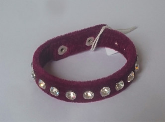 Maroon  Velvet cuff with 1 row of diamantes