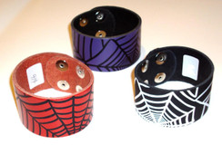 Embossed leather web cuff - LAST ONE - PURPLE