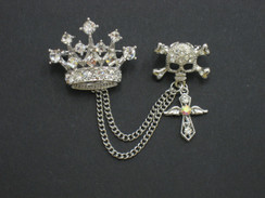 Crown & skull diamontie brooch