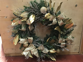 Festive Wreath & Table Decorations December 19th