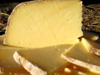 Invierno (Winter Cheese), 1/8 Wheel Wedge
