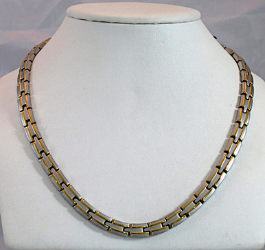"Magnetic necklace Scottsdale SG stainless with 56-5200 gauss magnets in a 22"" length. It has a magnetic therapy pull strength of 1780 grams."