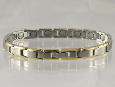 """Magnetic Bracelet Rhodium Narrow SG is 1/4"""" wide x 13/32"""" long link with 16 rare earth magnets in 7 7/8"""" length. It has a magnetic therapy pull strength of 650 grams."""
