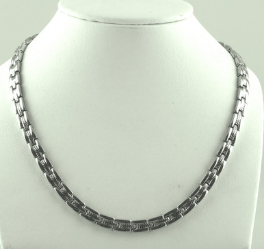 "Magnetic necklace Wimbledon SG stainless steel has a 1/4"" wide x 11/32"" long link with 60 rare earth magnets in 22"" length. It has a magnetic therapy pull strength of 1425 grams."