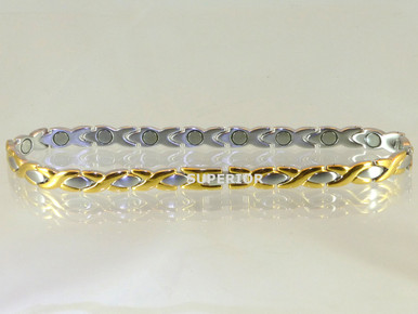 Magnetic anklet Oval X SG made with 316L stainless steel with N52-5200 Gauss rare earth magnets. It has a magnetic therapy pull strength of 890 grams.