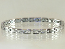 """Magnetic Bracelet Wimbledon SG stainless steel has 1/4"""" wide x 3/8"""" long link with 20 rare earth magnets in 8 1/8"""" length.It has a magnetic therapy pull strength of 475 grams."""
