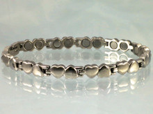 """Magnetic bracelet Open Hearts S stainless steel with 22-5200 gauss magnets in an 8"""" length . It has a magnetic therapy pull strength of 675 grams."""