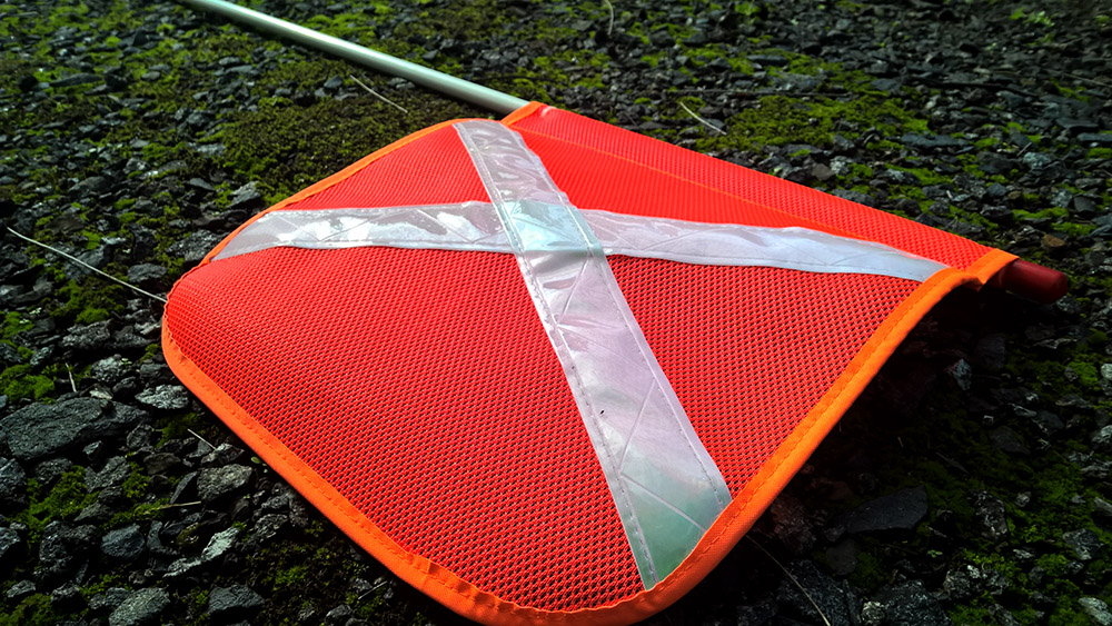 safetyflag4.jpg