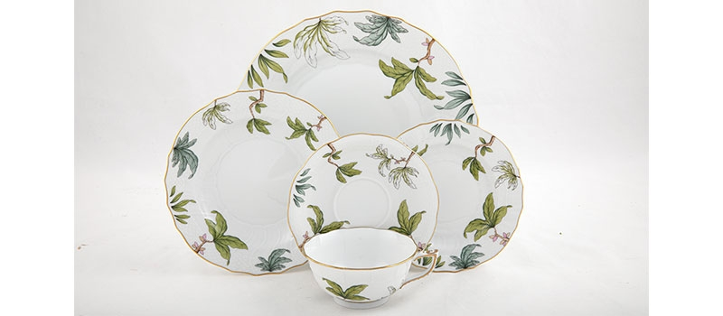 herend-foret-garland-5-pc-place-setting.jpg