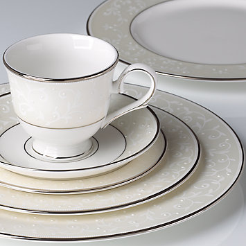 lenox-opal-innocence-5-pc-place-setting-6640411.jpg
