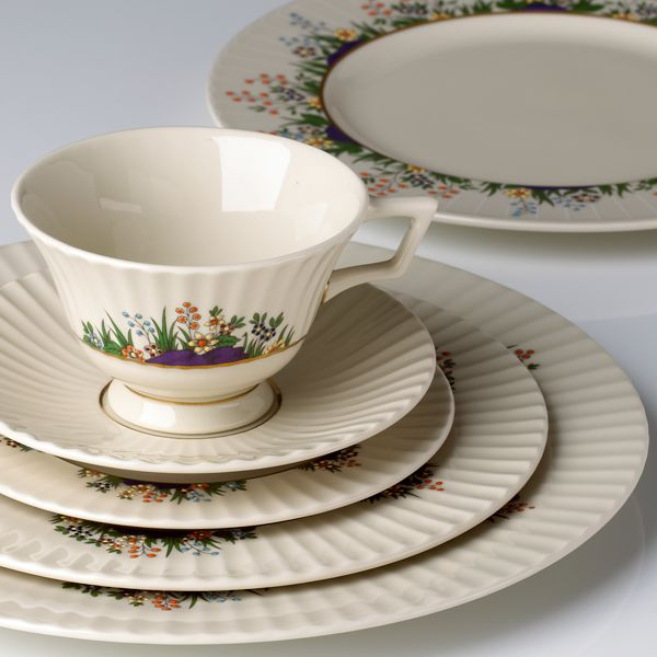 lenox-rutledge-5-piece-place-setting-135090600-whr.jpg
