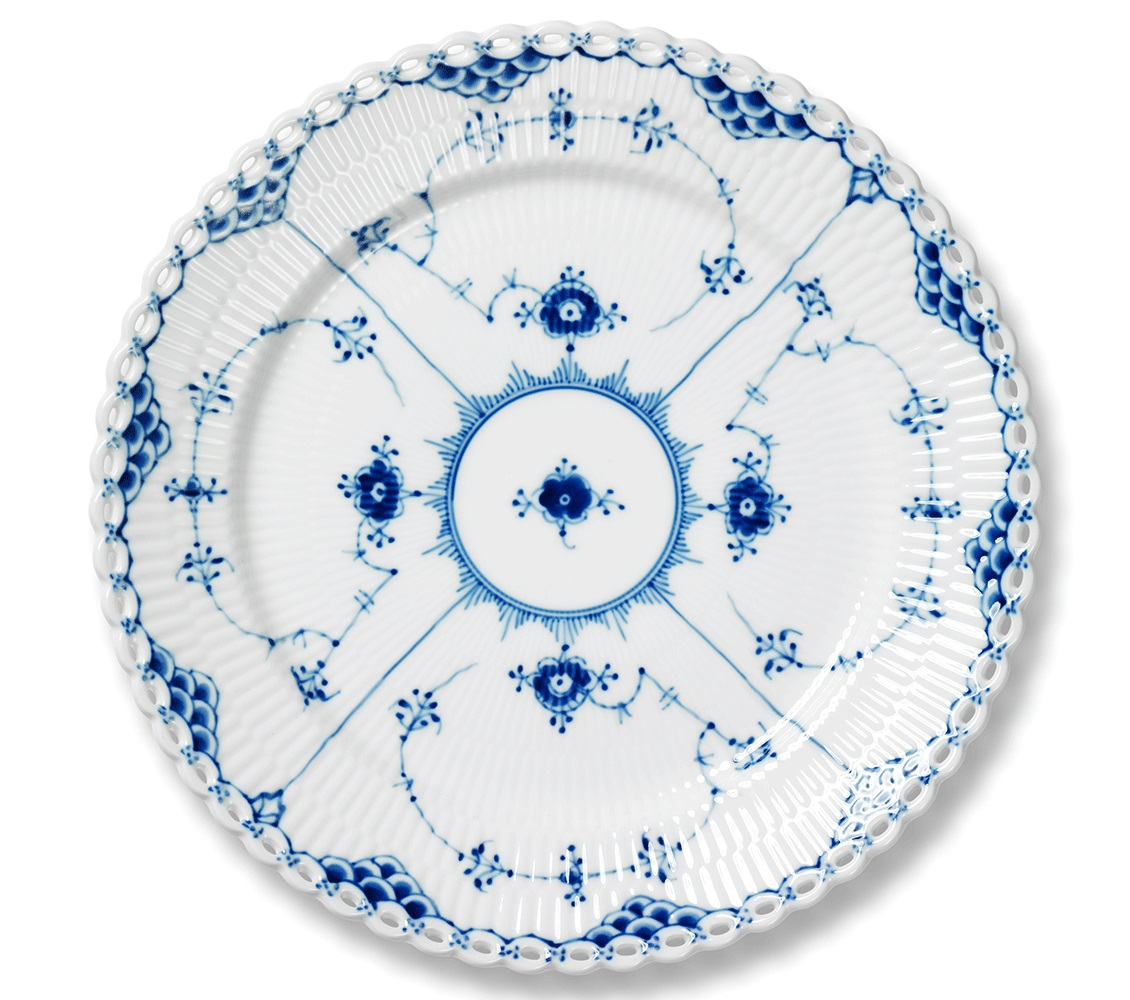 royal-copenhagen-blue-fluted-full-lace-dinner-plate-10.75-in-1017240.jpg